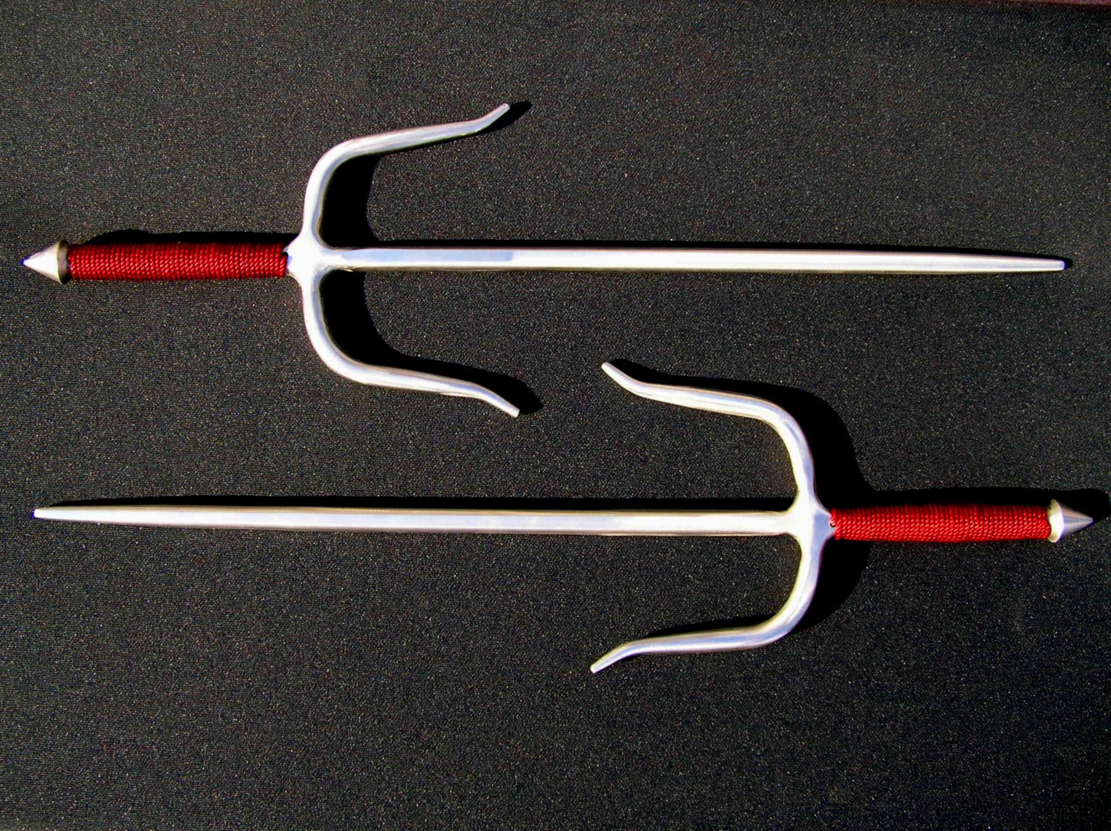 Традиционное оружие жителей Окинавы ( Япония )